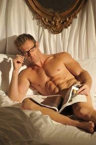 HOT-GUY-33-Reading-in-Bed